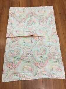 """PAISLEY SHAMS SET OF 2 """"QUEEN"""" SIZE FLORAL PINKS GREEN WHITE TEAL 100% COTTON FL"""