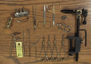 21 Peice Fly Tying Tool Kit  w/Rotating  Vise - KT170