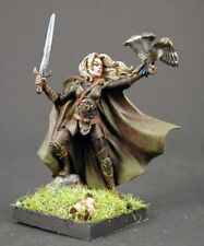 DARK SWORD MINIATURES - DSM7409 Female Ranger W/Long Sword & Falcon