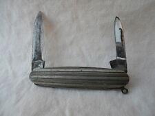 Ancien couteau pliant canif  , plaquettes argentées