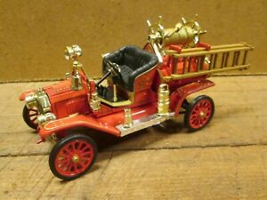 """1914 FORD MODEL T FIRE ENGINE, Die Cast Toy, 5"""" Long"""