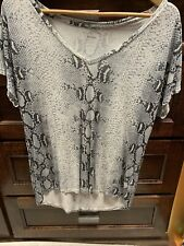 Majestic Paris For Neiman Marcus Size 2  V-Neck Shirt Snakeskin