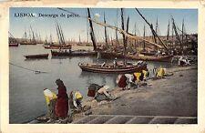 BR45377 Descarga de peixe Lisboa portugal