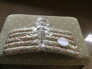 5 Padded Pretty Coat Hangers Brand New In Packet