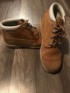 Timberland Boots Women's Sz 8.5M Waterproof Nellie Chukka Wheat Leather