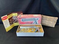 VINTAGE WEAR-EVER COOKIE GUN AND PASTRY DECORATOR COMPLETE W/BOX & RECIPE INSERT