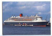 LN1134 - Cunard Liner - Queen Mary 2 , built 2004 & PS Waverley - postcard