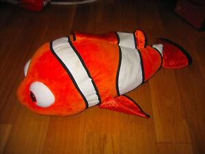 Magnifique poisson NEMO en peluche