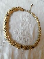 Chic TRIFARI Vintage Gold Tone Leaves Link Rare Signed Jewellery Choker Necklace