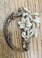 Vtg Floral Ornate Cream Gold Bronze Tone 1950's 50's Jewellery Pin Brooch