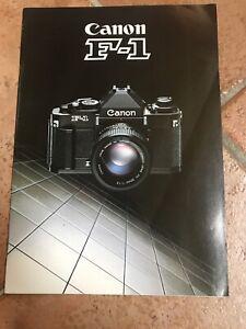2 Brochure Depliant Canon F-1 Reflex Fotografia Vintage 1984 - 1985 in Italiano