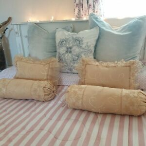 Set Of 4 x Cushions Slumbalux - Gold Frilled Bolster Cushions Scatter Cushions