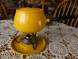 Yellow Fondue Set Unmarked Taiwan ? Meat Chislic Family Gathering No forks Used