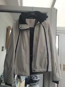 Ladies Quicksilver Winter White And Navy Ski Jacket Size XL 10,000mm Active Fit