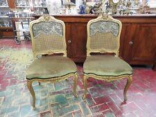 """Paire d'anciennes chaises en bois doré de fin de"""" 800 paille de Vienne"""