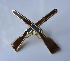 ZP110 Cross Guns Rifles Cavalry Lapel Pin Badge Military Shooting Shotgun pub