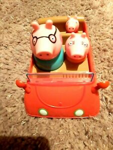 Peppa pig toy car,2003 good working order