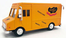 AHM Charles Chips DELIVERY TRUCK Step Van 1:48 Scale New! For O Scale In Yellow