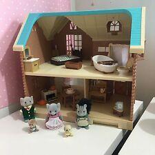sylvanian families Larchwood Lodge with furniture and animals Bundle Joblot