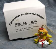 GROLIER RUBY CHRISTMAS ON SESAME STREET ORNAMENT 009 with BOX