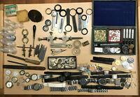 Uhrmacher Werkzeuge Großes Konvolut alter Ersatzteile zubehör Uhrwerke.....(127)
