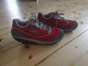 Schuhe von MBT