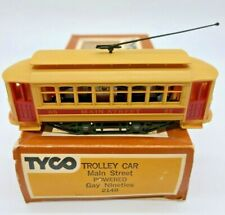 """HO SCALE TYCO #214B TROLLEY CAR LETTERED FOR """"MAIN STREET"""" RUNS VERY WELL"""