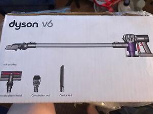 Dyson V6 Cordless Vacuum Cleaner BNIB