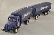 Camion blu con rimorchio telonato trasporto birra PAULANER Plastico H0 1:87