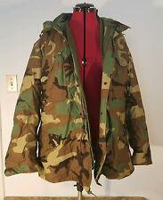 Military Issue Woodland Camo Cold Weather Coat, Men's Medium Regular