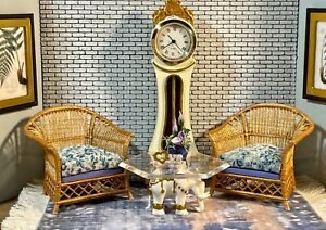 1:16 Dollhouse elephant coffee table like porcelain glass effect top - Lundby