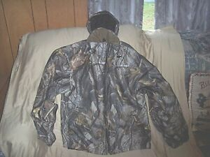Boys Vintage Medium Hunting Jacket Lined Camo Jacket Realtree Hardwoods Jacket