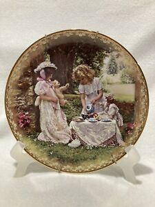 """Sandra Kuck  'A Cup Full of Love"""" Sister's Love Forever Collectors Plate"""