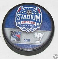 2014 STADIUM SERIES PUCK Duelling Logo New York Rangers vs Islanders YANKEE