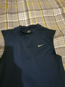 NIKE SLEEVELESS TOP BNWOT