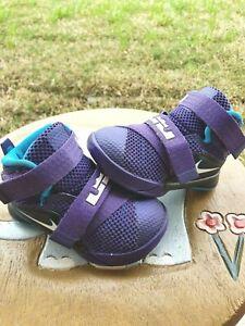 """Nike Lebron """"Grapes"""" Toddler 4C"""