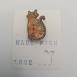 Wooden Cat Brooch.