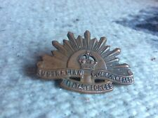 Vintage Australian Commonwealth Military Forces Rising Sun Badge Copper