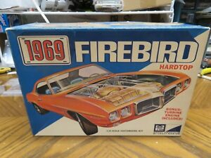 ORIGINAL 1/25 MPC 1969 PONTIAC FIREBIRD MODEL BOX WITH EXTRAS #1569