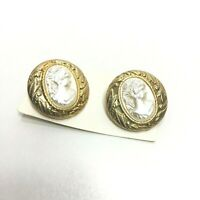 Pair of White/Gold Cameo Shank Vintage Buttons on Card 2 CM