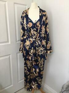 Escalier satin 3 piece pyjama set Size Large BNWT