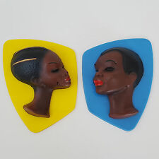 ENSEMBLE DE 2 DECORATIONS MURALES EN PLASTIQUE AFRICAINS 1950 VINTAGE ROCKABILLY