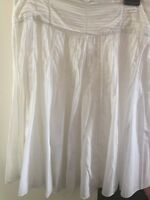 Marks And Spencers White Cotton Full Skirt Lined Size 12