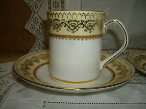 Lovely Elizabethan Swiss Cottage China Coffee Cups & Saucers White & Gilt   28