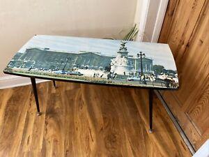 Vintage Retro Buckingham Palace Scene Coffee table Dansette Legs Mid Century