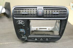 2001-2005 HONDA CIVIC CLIMATE CONTROL UNIT WITH BEZEL AND VENTS