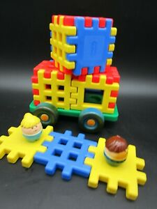LITTLE TIKES Waffle Blocks Building Grid Blue Red Yellow Wheels Car Base Figures