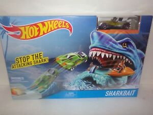 "HOT WHEELS STOP THE ATTACKING SHARK ""SHARKBAIT"" PLAY SET! REALLY SWEET AND COOL!"