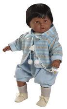 Berbesa - Dulzon muñeco bebé negrito lloron con chaqueta, 62 cm bolsa (80271N)