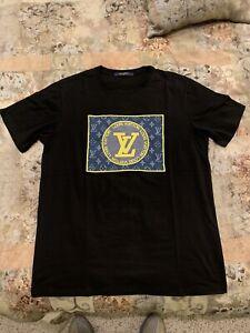 Louis Vuitton Men's T- Shirt  Size L
